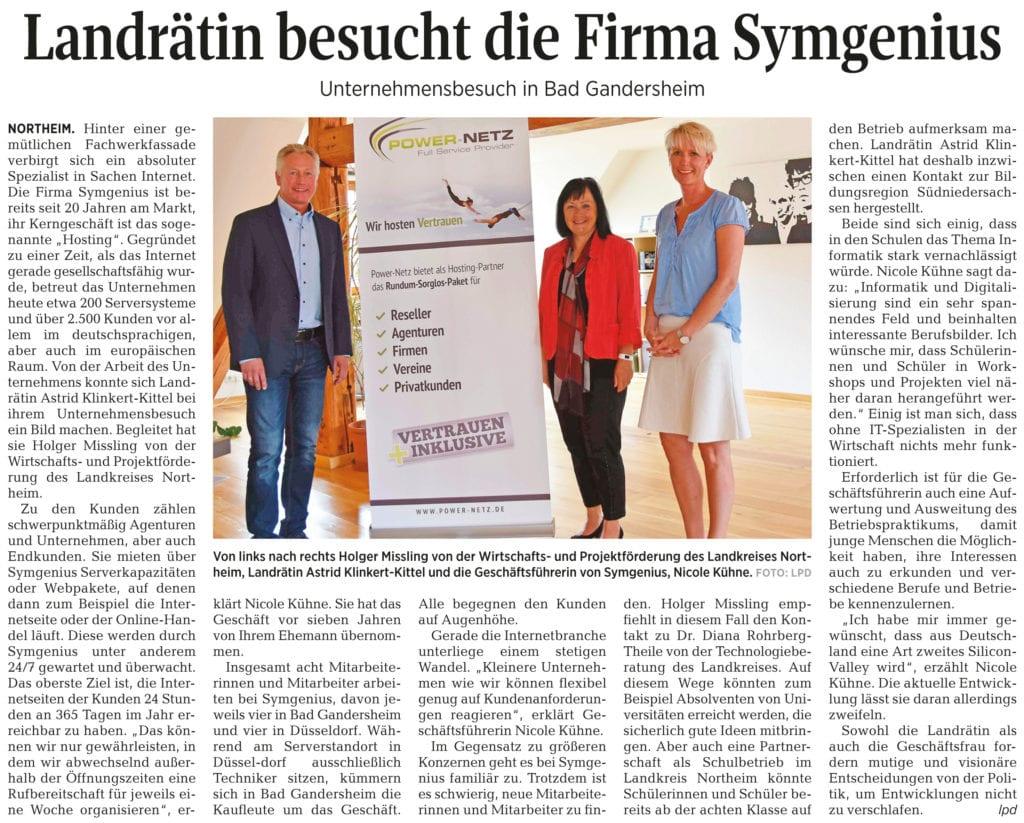 Zeitungsausschnitt: Landrätin besucht die Firma Symgenius